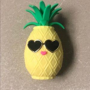 Bbw pineapple pocket back holder